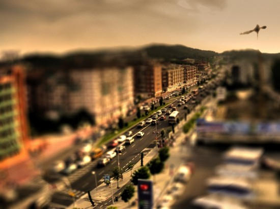 Barcelona-Road-Tilt-Shift-550x412
